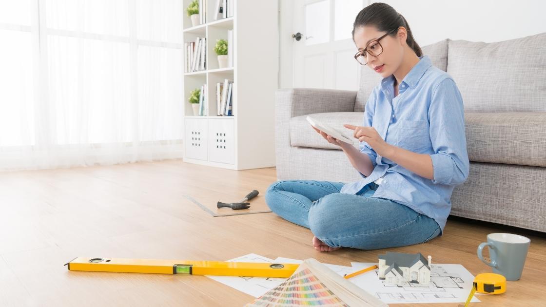 Como Trabalhar com Decoração de Interiores: Atualiza-se